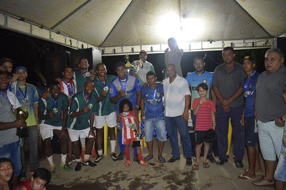 Final do Campeonato do Projeto Jaíba que aconteceu neste domingo 17/11, no NH2 ficou marcado pela rivalidade, excelente jogo e a volta das famílias aos campos de futebol com o Minas Verde Campeão