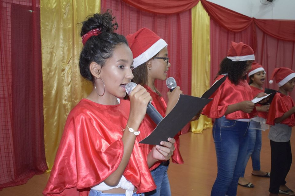 """Prefeitura de Jaíba em parceria com escolas estaduais, municipais e instituições realizam o Projeto """"Cantata de Natal"""" uma homenagem natalina através da música"""