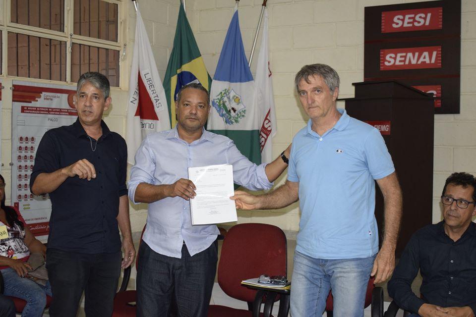 Renato Bolsonaro irmão do Presidente da Republica Jair Bolsonaro é recepcionado em Jaíba pelo Prefeito Reginaldo Silva visita o Projeto Jaíba e se reúne com Produtores